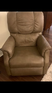 Gray leather recliner. Must pick up! Revere, MA Revere, 02151