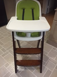 baby's brown and white high chair Alexandria, 22310