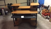 Brown and black wooden computer desk Clearwater, 33763