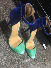 pair of blue-and-green leather pumps 213 mi