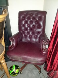 brown leather tufted rolling armchair Labelle, 33935