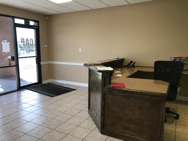 COMMERCIAL For rent 4+BR 1BA