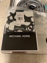 Brand New Michael Kors Wallets For Sale Vancouver, V6B 0R8