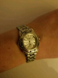 Ladies Fossil watch $10 Snellville, 30039