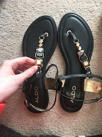 Brand new size 9 sandals Red Deer, T4R 2S9
