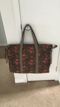 Garment bag - new  London, N5X 4N2