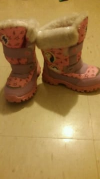 Girls size 1 winter boots Hamilton, L8K