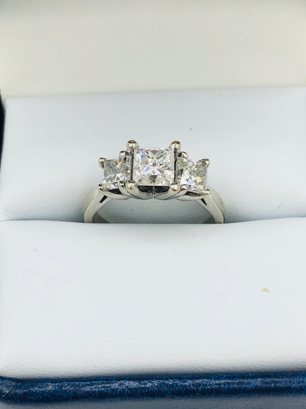 14k white gold and diamond ring 0