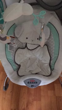 Baby's gray and white fisher-price bouncer Barrie, L4N