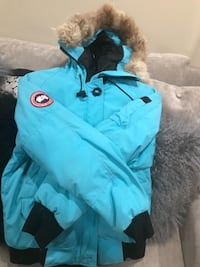 Canada goose size small or best offer TORONTO