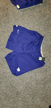 NEW Nike UW team basketball shorts.  size 2XL and  Burien, 98166