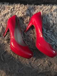 Pair of Marc Fisher red patent pumps Markham, L3T 7N3