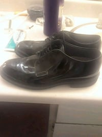 pair of black leather dress shoes Yuma, 85364