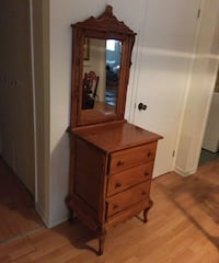 brown wooden 3-drawer dresser with mirror Repentigny, J5Y 3S4