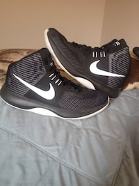 pair of black Nike running shoes Richland, 99354