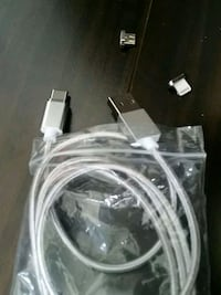 """3-in-1 cable charger """"Brand New!"""" Richmond, V6Y 3L7"""
