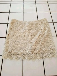 Forever 21 Lace Skirt Vista, 92084