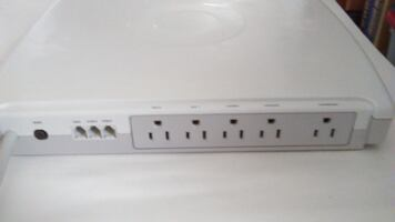 Computer Surge Protector Console 5 Outlets (Belkin)