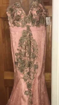 Peachy dress size on picture beautiful one of a kind dress  Sterling Heights, 48310