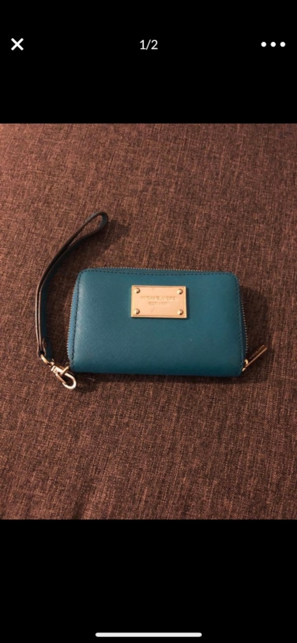069a19423a71 Used MK Leather Wristlet Wallet for sale in Santa Rosa - letgo