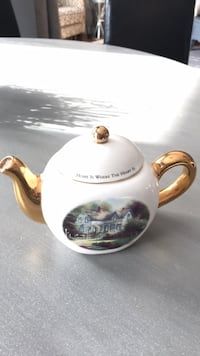 Thomas Kinkade Tea Pot.