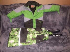 Snow Suit Size 6, fits 5 - 6 yr old
