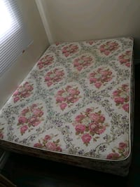 white and red floral mattress Waterloo, N2J 4L8