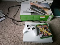 white Xbox 360 console with controller and game cases Palatine, 60074
