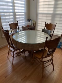 Dining table set Gaithersburg, 20878