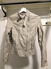 Champagne ladies leather jacket 3687 km