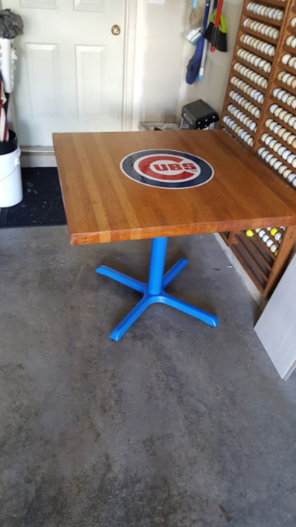 Cubs Table