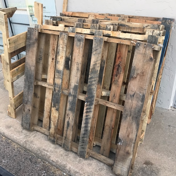Used Free pallets. Pick up asap for sale in Houston - letgo