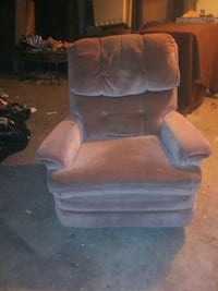 Really good couch, loveseat and recliner for sell Des Moines, 50311