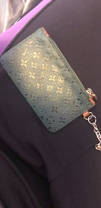 Green lv coin pouch Coquitlam, V3C 3M9