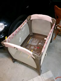 Barely Used PACK'nPLAY BABY PLAYPEN FOLDABLE