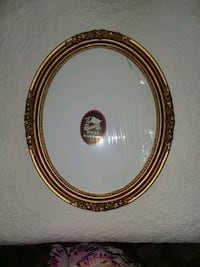 Oval frame with Artisit Canvas Foresthill, 95631