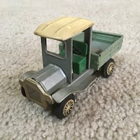Vintage 1950s Tin Litho Friction Pickup Truck Toy - Ford Model T - Made in Japan - RARE!! Easton, 18042