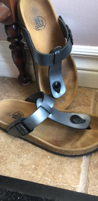 Browns sandals size 35