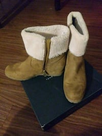 Size 8M winter boots