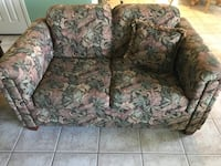 Brown and green floral loveseat El Paso, 79936