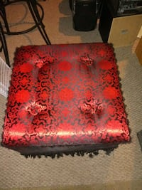 Red & black ottoman used see details plz Columbia Heights, 55421