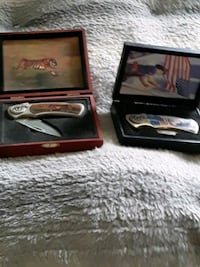 Collectors knives in show boxes Radcliff, 40160
