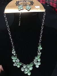 Green necklace set Mississauga, L5G 2Y9