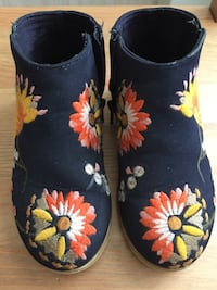 Girl's boots , size 8, Flowers , Zara Virginia Beach