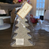 6 inch silver glitter holiday candle new still wrapped   Mc Lean, 22101