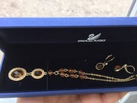 I sell a beautiful Jewelry set made with Swarovski elements  : Necklace + Earrings 18 K Gold plated  Winnipeg, R3B