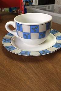 Large cup and saucer Essex, 21221