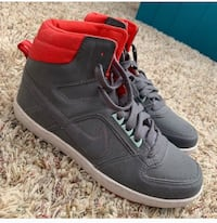 Nike high tops Thousand Palms, 92276
