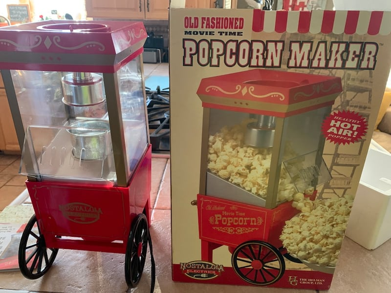 Sold Popcorn Popper Mini Movie Theater Popcorn In Draper Letgo