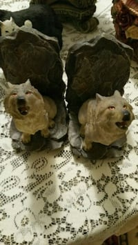 two brown and white dog figurines Union, 41091
